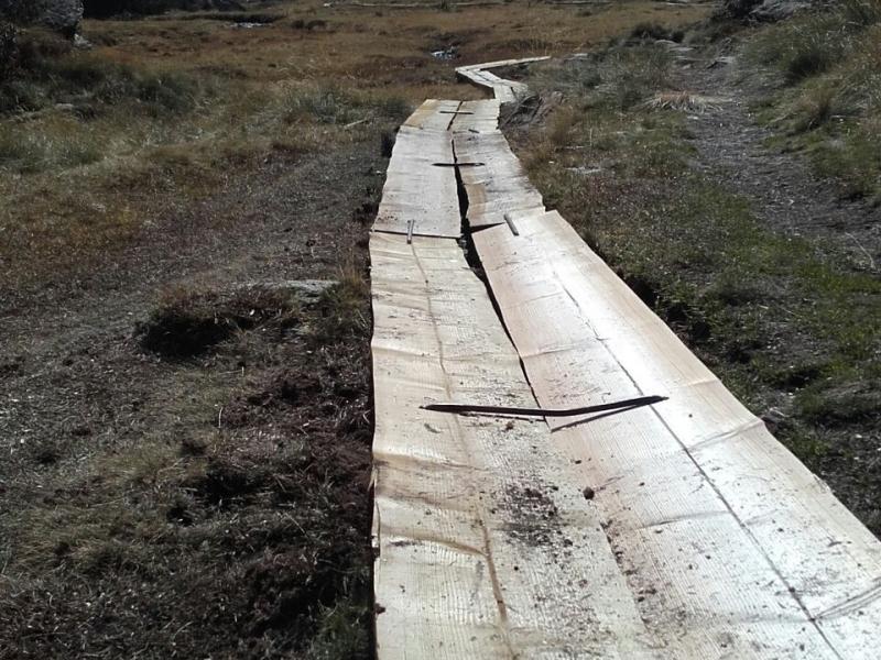 Nou sender construït per fora de les torberes de Plans de Sotllo